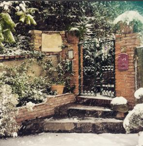 Snow in Taormina Photo by @villabritannia