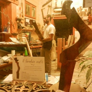 Visit a Forcola Workshop in Venice