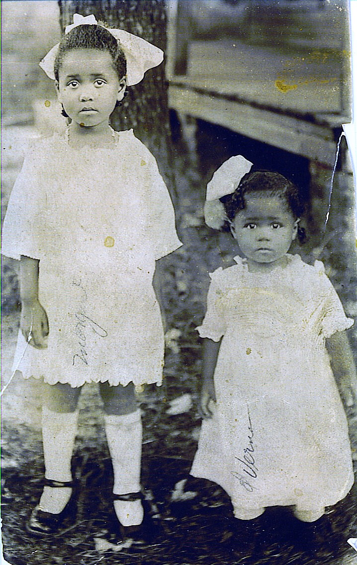 Margaret & Verna Lee circa 1920 (2)