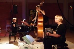 Trio Tangata in Finland