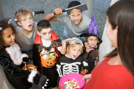 kids-trick-or-treating