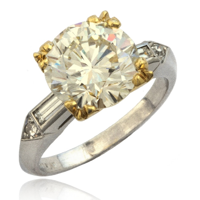 Traditional Diamond Ring Image