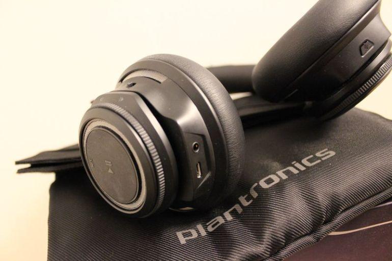Plantronics-BlackBeat-Pro-6