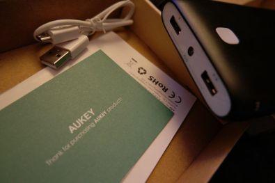 aukey-batterie-portable-02