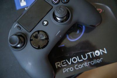 PlayStation-4-Revolution-Pro-Controller-Nacon-15