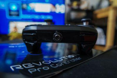 PlayStation-4-Revolution-Pro-Controller-Nacon-17
