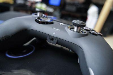 PlayStation-4-Revolution-Pro-Controller-Nacon-24