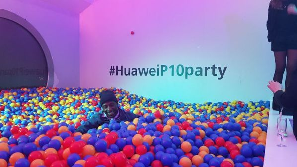 HuaweiP10Party05