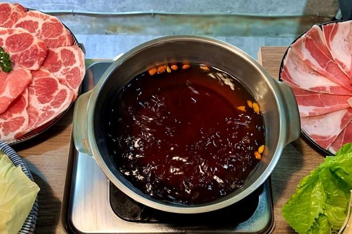 台中西區美食|老式吃鍋 勤美商圈旁的超值小火鍋 每日現熬湯頭 給料新鮮豐富