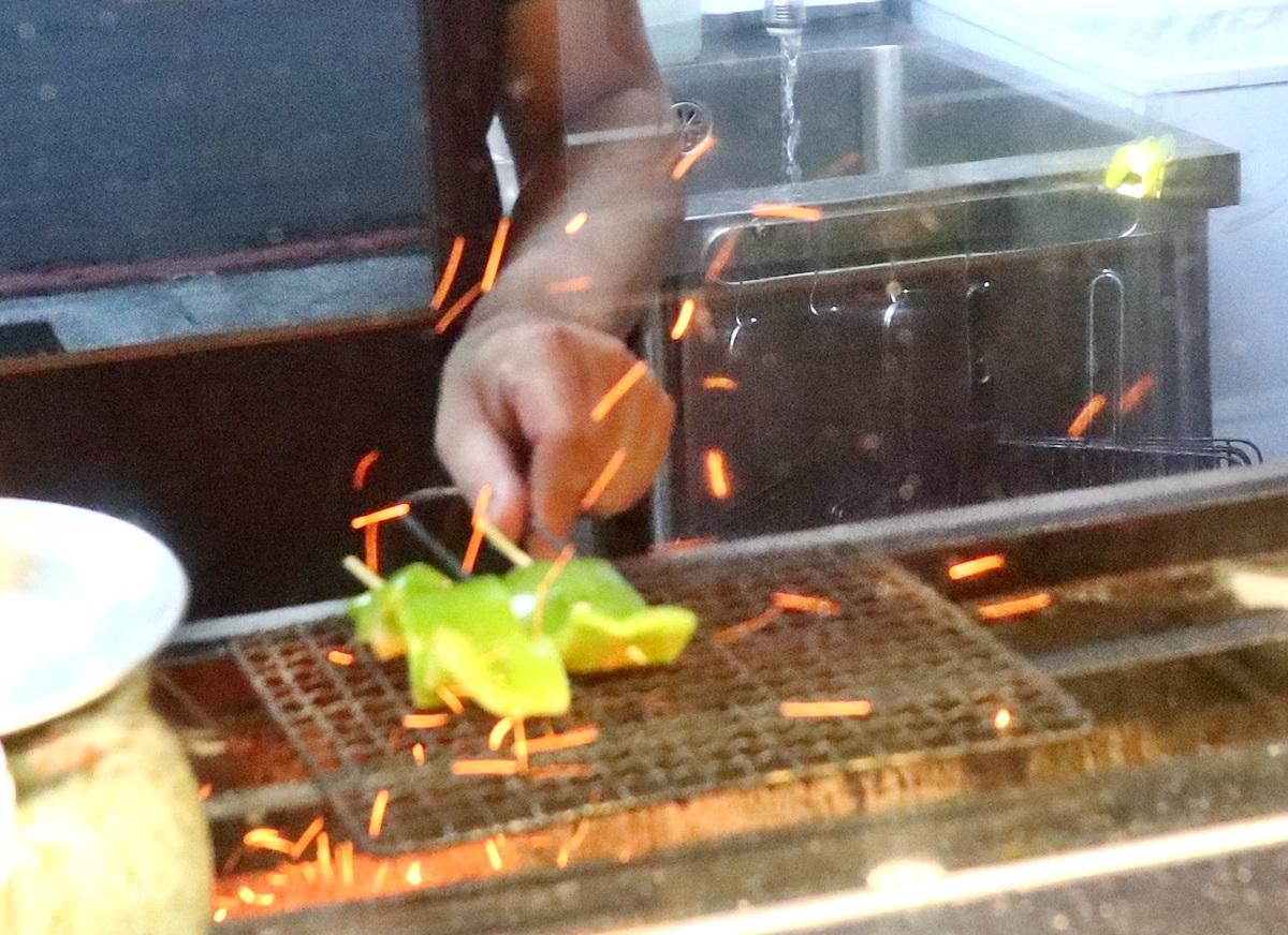 プロ燒鳥專門店Puro 2.0,台中平價串燒,台中西區日式居酒屋,台中居酒屋,台中串燒,科博館週邊美食,勤美商圈美食,台中燒鳥,燒鳥專門店Puro,台中西區美食
