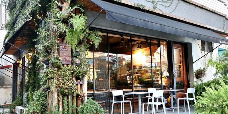 小葛廚房 午茶甜點好選擇 平價優質手沖咖啡 環境氛圍有質感 寵物友善餐廳 台中北屯美食