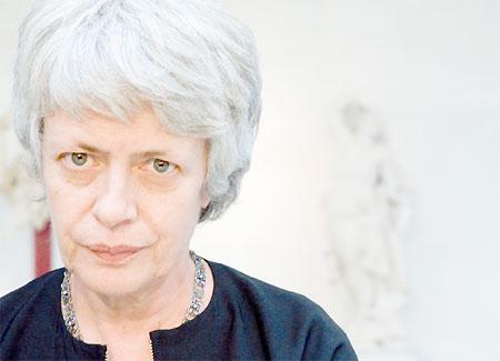 Barbara Spinelli: il regime militare del partito dell'amore
