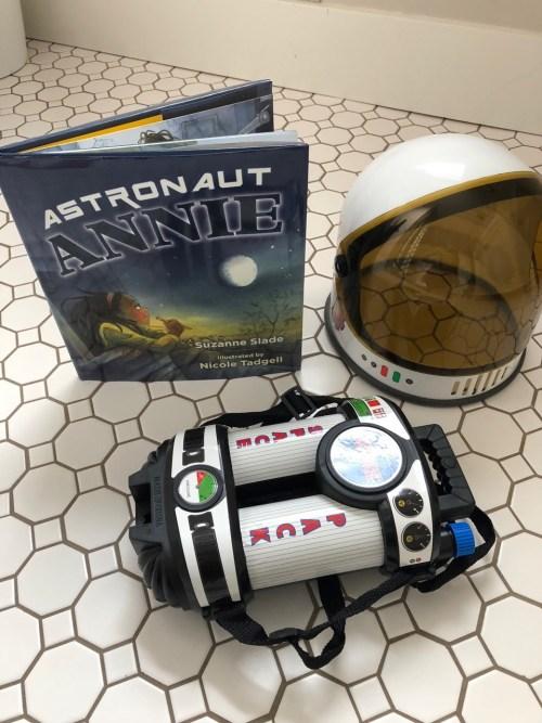 Book Review-Astronaut Annie - mariadismondy.com