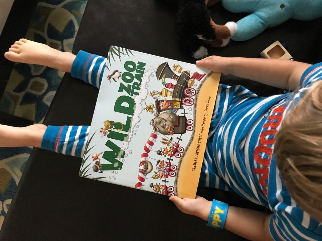 Book Review-Wild Zoo Train - mariadismondy.com