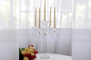 Chandelier transparent & pampilles - 28€-