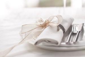 moderne-chic-decocation-mariage-rond-de-serviette