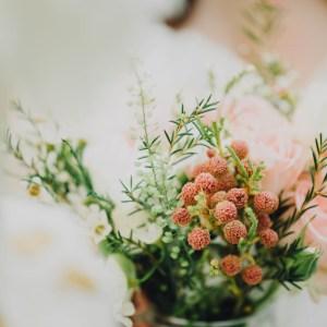 fleuristes mariage, bouquet de mariée, fleurs saumon et rose poudré