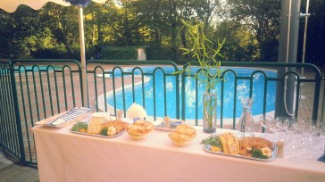 Domaine du petit marais, pornic, location salle réception nantes, terrasse cocktail, piscine mariage