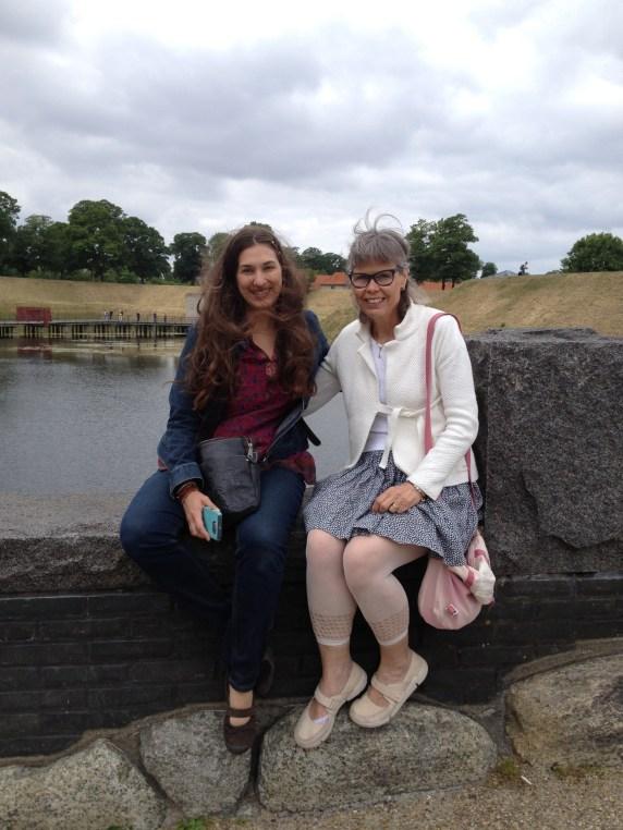 Leah and Maria at Gefion, Copenhagen