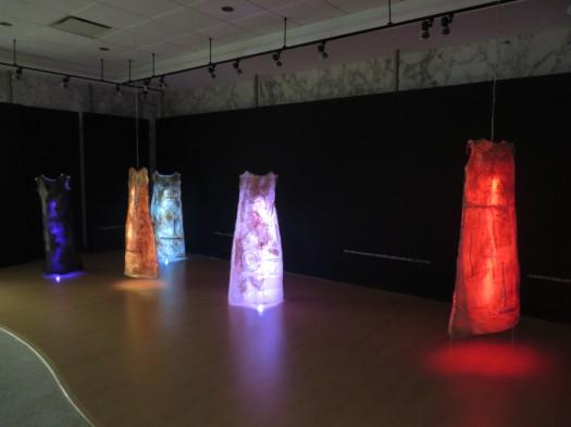 Cuerpos de Luz en la sala de la Fundación Ángel Ramos