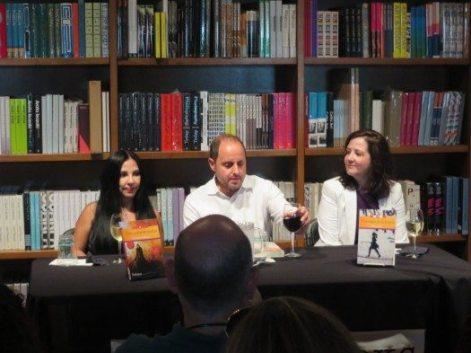 Los escritores Giovanna Rivero, Eli Bravo y Lena Yau.