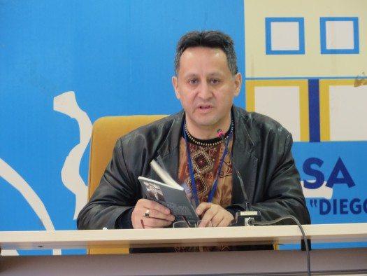 Javier Claure Covarrubias poeta de Bolivia radicado en Suecia