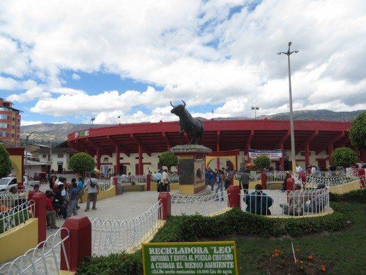"""Lugar de la """"Marcha por la Poesía"""" Coso Taurino. Foto MJV"""