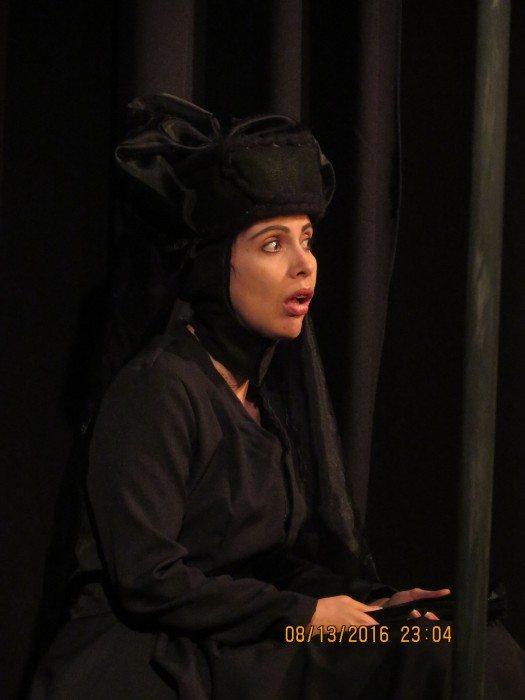 Amelia- Diana Zapata