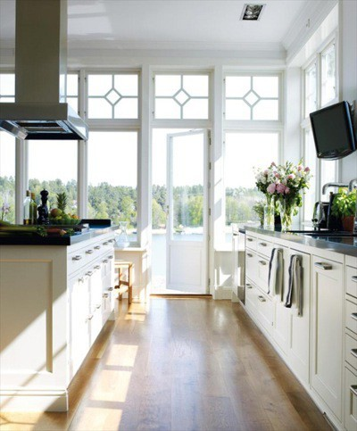 why white kitchen cabinets make the