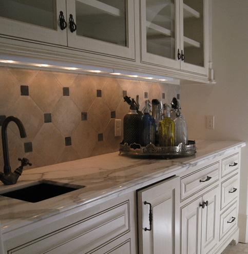 large tiles for your kitchen backsplash