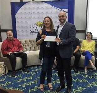 Con el escritor Eduardo Jaspe durante la entrega del Premio Sagitario Novela Corta 2017