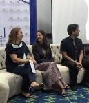 La ganadora del premio con la escritora española Espiro Freire y el escritor panameño Dimitiius Gianareas