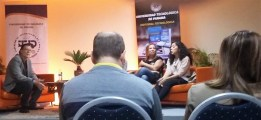 Las escritoras Nicolle Alzamora Candanedo y Maria Laura De Piano