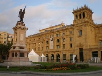 El teatro Infanta Isabel desde la Plaza