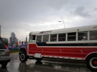 """Los autobuses llamados """"dragones rojos"""", a punto de desaparecer de la ciudad."""