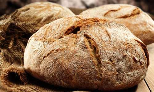 Para queeste PAN RÚSTICO CASERO quede mejor, os aconsejo precalentar el horno con un recipiente que contenga aproximadamente medio litro de agua hirviendo y dejarlo durante todo el proceso de cocción del pan.