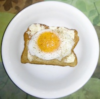 protein -- hen fruit on toast