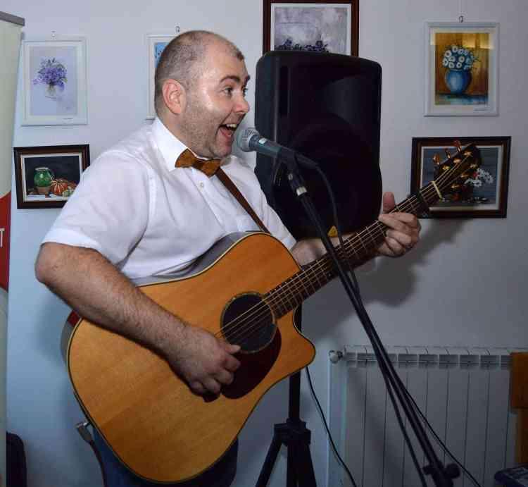 Marius Matache la Cafeneaua Jos Pălăria