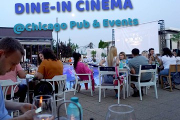 Dine-in cinema la Chicago Pub & Other Social Events