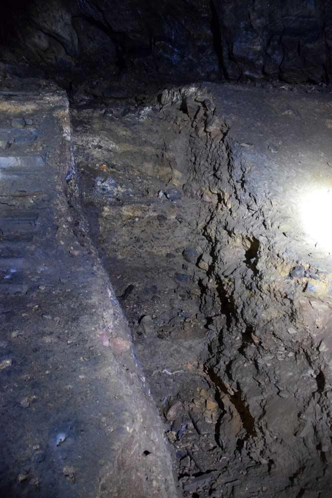 Săpături arheologice în Peștera Curata