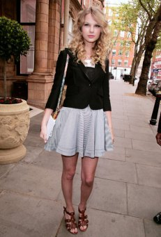 tay casual 10