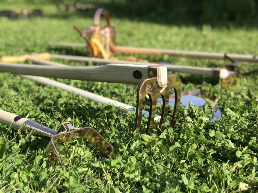 pronksist aiatööriistad