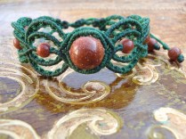 Macramé Bracelet with goldsand stone beads