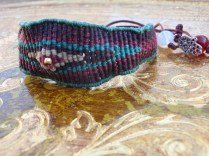 Macramé eye bracelet