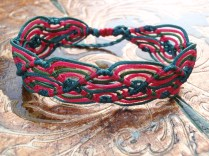 Macramé wave bracelet