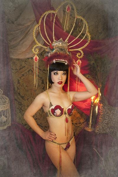"Marianne Cheesecake as Anna May Wong ""Dragon lady"""