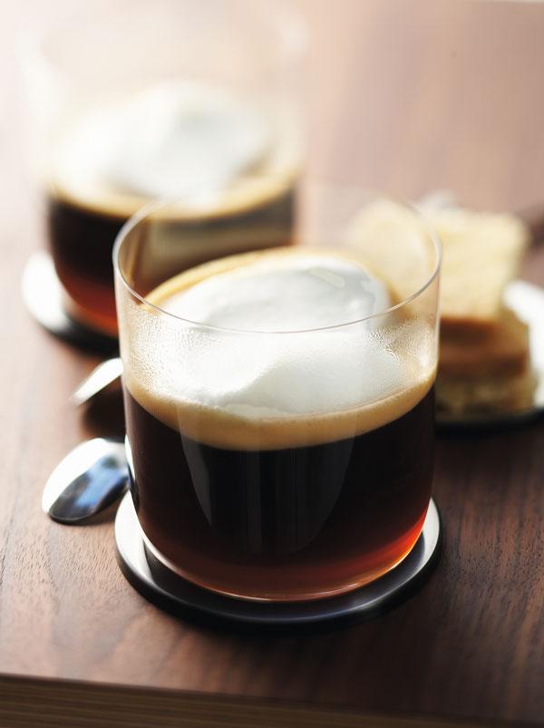 Ingeniørfruen, Marianne de Bourgs Irish Coffee