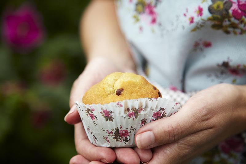 Bruk rosenvann i kaker og desserter