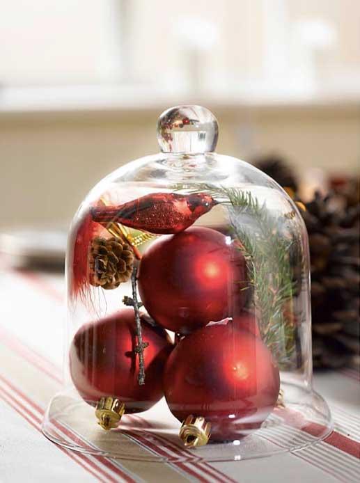 Ingeniørfruens julekuler som borddekor på julebordet