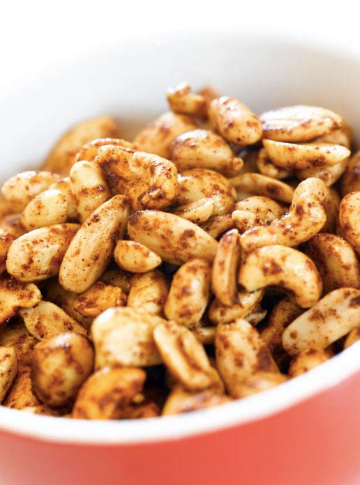 Ingeniørfruens ristede blandede nøtter i pepperkakekrydder